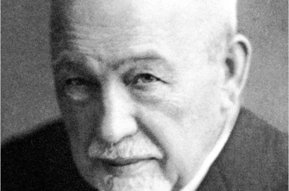 1936: Arthur Hartrodt, the company founder dies